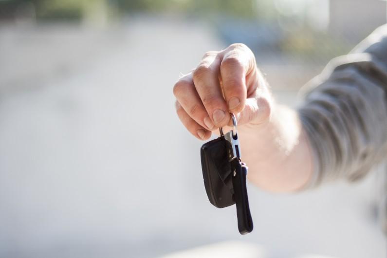 car buying car dealership car key 97079 v3